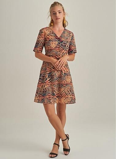 NGSTYLE V Yaka Palmiyeli Elbise Bej